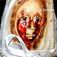 """Tượng Đức mẹ Maria lần thứ 38 """"khóc ra máu"""" ở Argentina"""