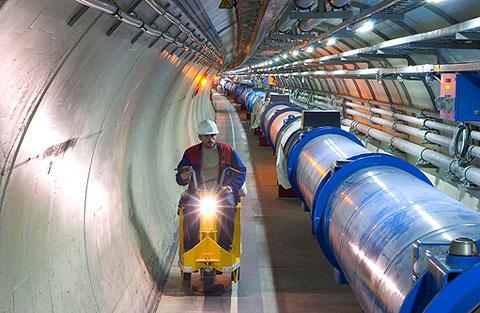 Vén màn bí mật về vũ trụ khi LHC 'tái xuất'