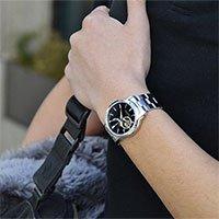 Vì sao mọi người thường đeo đồng hồ tay trái?