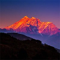 Vì sao những dãy núi luôn luôn cao lên?