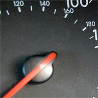 Vì sao tốc độ ô tô lại cao, trong khi chiếc xe hầu như không bao giờ đạt tốc độ đó?