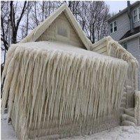 Video: Băng phong kín cả căn nhà trong bão tuyết ở Mỹ