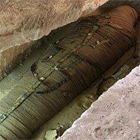 Video: Cận cảnh mở nắp quan tài chứa xác ướp 4.000 năm tuổi