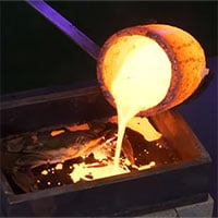 Video: Chuyện gì sẽ xảy ra nếu nấu cua trong dung nham?