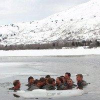 Video: Đặc nhiệm Mỹ giải thích lý do nên tắm nước lạnh