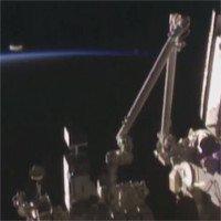 Video: Ghi được cảnh UFO bay vọt qua trạm ISS?