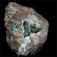 Viên đá vỡ lộ ra thứ quý hơn vàng, chưa từng thấy trên Trái đất