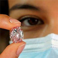 Viên kim cương hồng tím siêu đắt và dự báo cạn kiệt trong tương lai