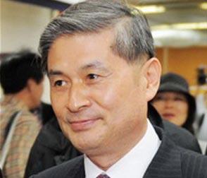 """""""Vụ án tế bào mầm"""": ông Hwang Woo Suk lãnh 2 năm tù"""