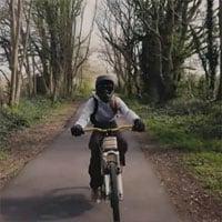 Xe đạp điện làm bằng gỗ tốc độ lên tới 45km/h