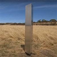 Xuất hiện thêm khối kim loại bí ẩn tại Australia có khắc tọa độ 3 địa điểm