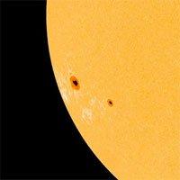 Xuất hiện vết đen lớn gấp vài lần Trái đất trên Mặt trời